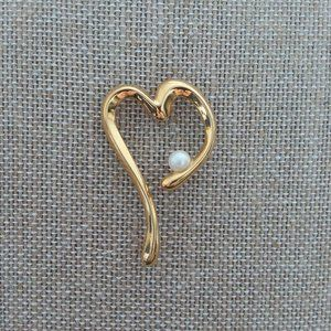 $5 or 5 /$15 HEART SHAPED BROOCH WITH FAUX PEARL
